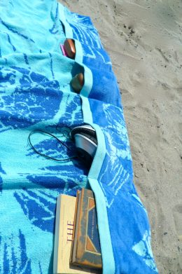 11 Beach Hacks for The Best Summer Ever| Beach Vacation, Beach Vacation Tips and Tricks, Beach Hacks, Vacationing, Beach, Summer Vacationing, Where to Summer Vacation, Summer Holiday, Popular Pin