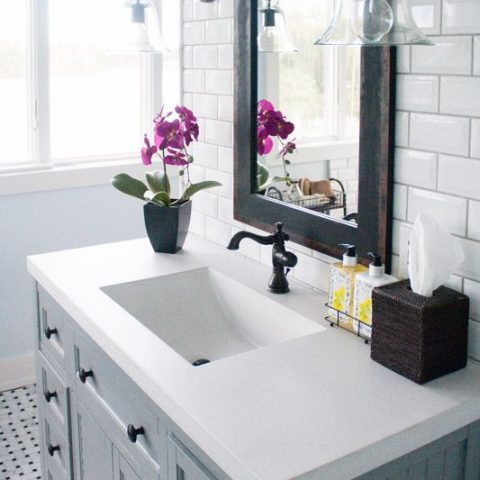 How to Refinish Your Bathroom In Only A Weekend| Refinish Your Bathroom, How to Refinish Your Bathroom, Bathroom Refinish Projects, Bathroom Projects, How to Refinish Your Bathroom Fast, Fast Ways to Refinish Your Bathroom, Bathroom Remodel, Bathroom Remodeling Projects, Popular Pin