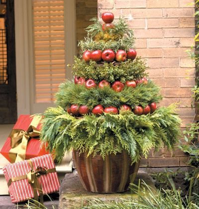 10 + DIY Christmas Topiary Projects| Christmas, Christmas Topiary, DIY Topiary, Topiary Projects, HolidayTopiary Projects, Holiday #ChristmasTopiary #Christmas #ChristmasProjects