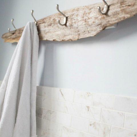 DIY Towel Racks For Total Bathroom Organization  Towel Racks, DIY Towel Racks, Bathroom Organization, Bathroom Organization Hacks, DIY Towels, Towel Racks, Popular Pin #DIYHome #Organization #Bathroom