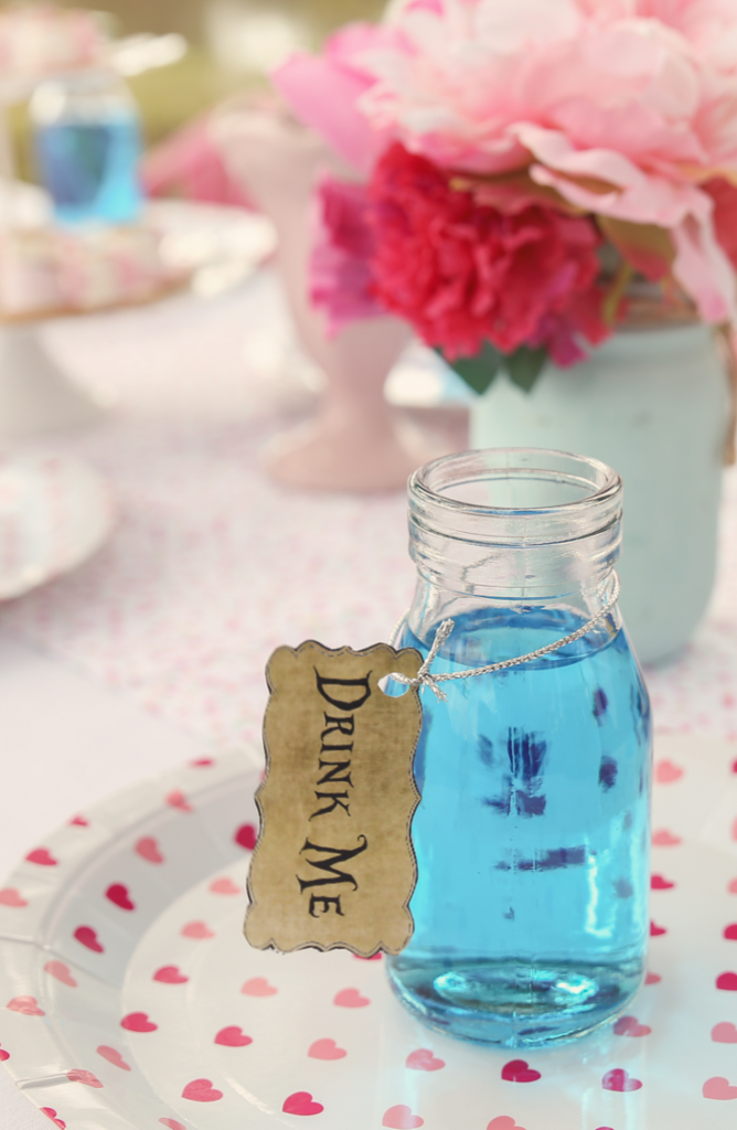 Are you an Alice In Wonderland fan? You can throw the best tea party themed after Alice In Wonderland. We've gathered up what you need to plan awesome afternoon tea parties.