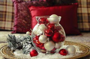 DIY Holiday Centerpiece Ideas | DIY Holiday Centerpieces | Holiday Centerpiece Ideas | Tips and Tricks for Holiday Centerpieces | Holiday Centerpieces | Holiday Decor | Holiday Decorations