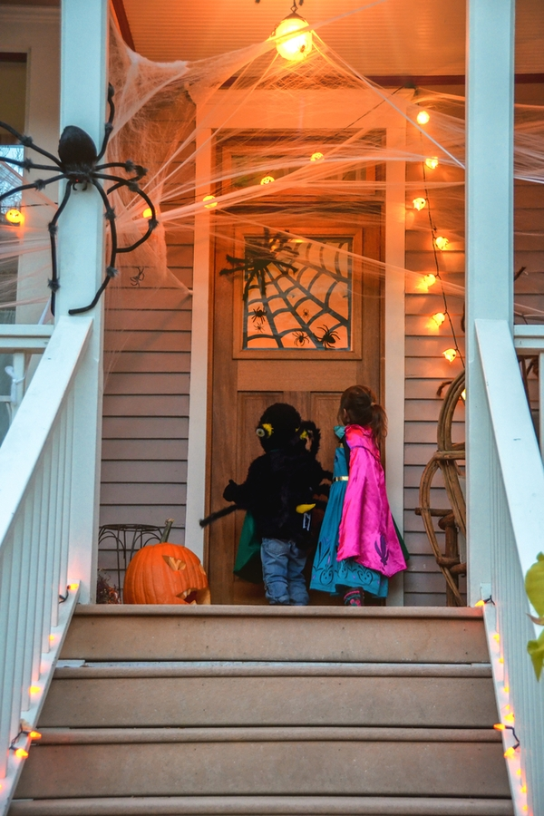 Trick Or Treat Tips | Halloween | holiday | Halloween decor | trick or treat | trick or treaters | Halloween tips