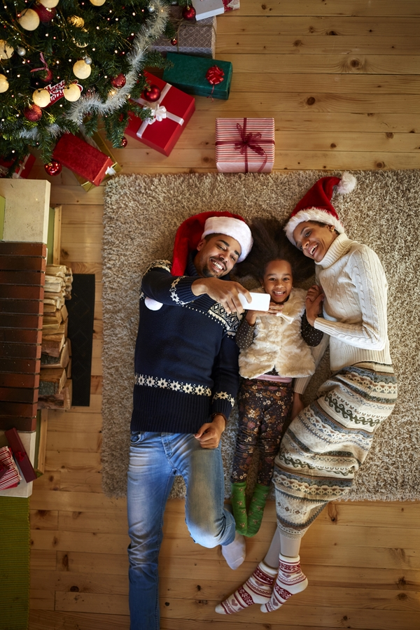 Doing things with your family is one of the best parts of the holidays. Here are some great family holiday ideas to help you enjoy the holidays.