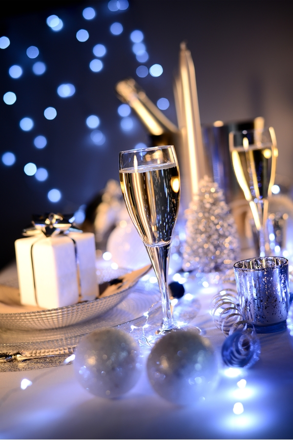 Make sure you and your significant other start the new year off right with these New Years Eve ideas for couples. You will love them!