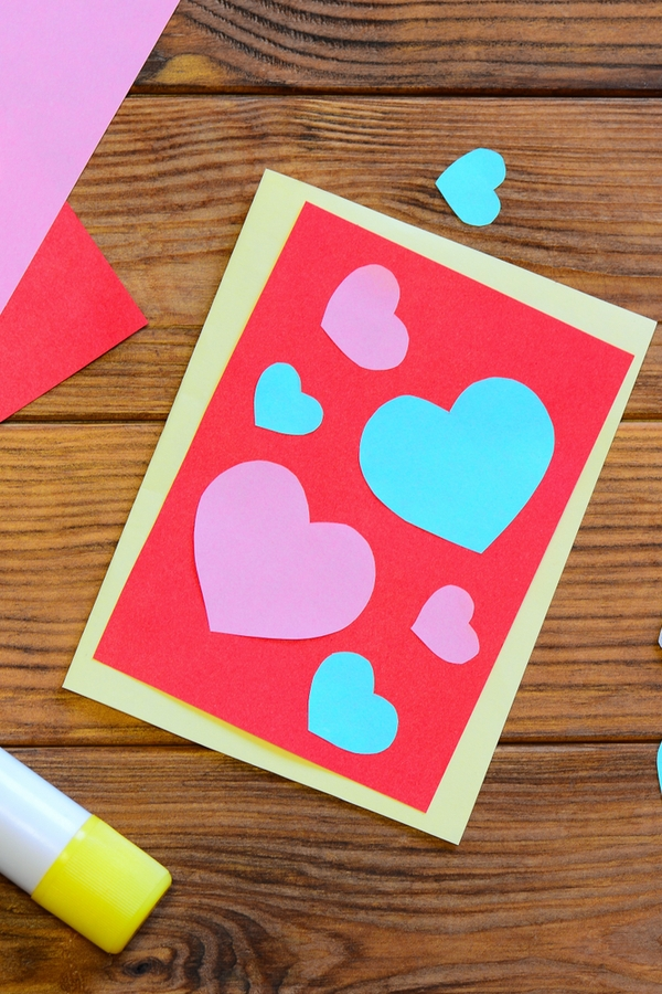 If you are throwing a Valentines Day party this year, you should make one of these DIY Valentines Day party invites. Everyone will love getting this invite with hearts on it!
