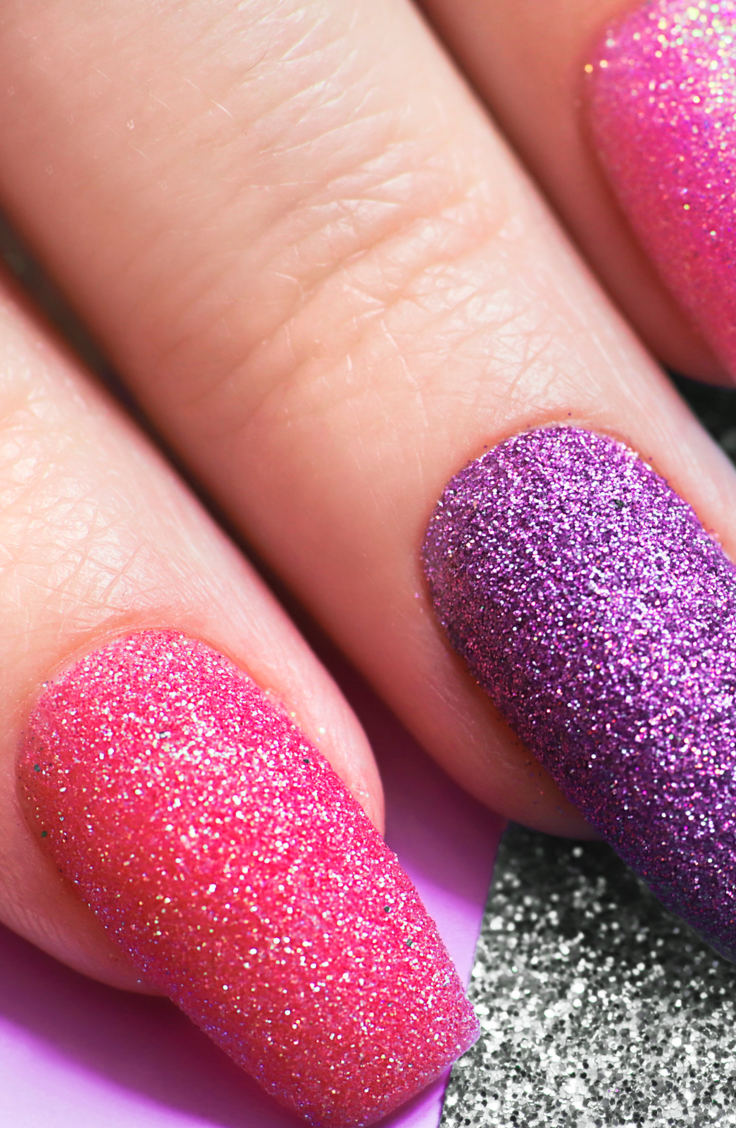From neon colors to coffin shaped nails to glitter galore, there are so many options for your first post-pandemic set. So let's add a little bit of sunshine to those fingers by putting on some bright summer acrylic nails! Nothing says summer better than glitter!