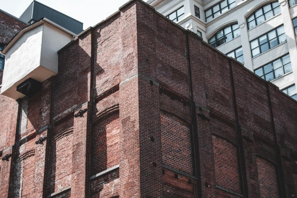 Building a faux brick wall