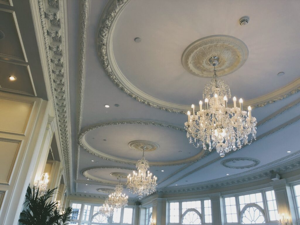 chandeliers for ceilings